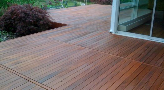 Comment nettoyer une terrasse en bois?